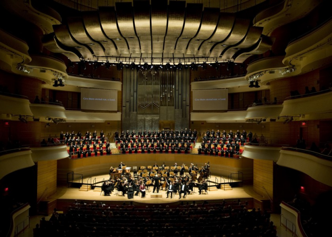 Pacific Symphony: Carl St. Clair - Tchaikovsky Spectacular at Pacific Amphitheatre